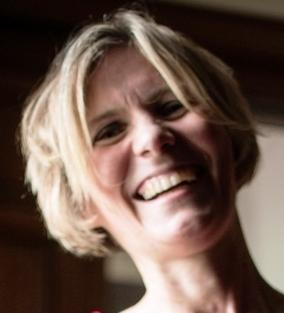 Christine als Nachhaltigsexpertin für Grün Sparne macht Spaße nach Unfall